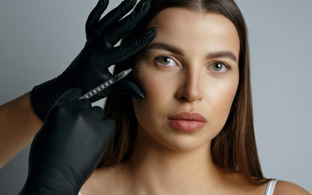 L'acide hyaluronique pour restaurer les volumes de votre visage